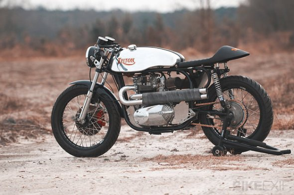 triton-motorcycle-by-loaded-gun-customs