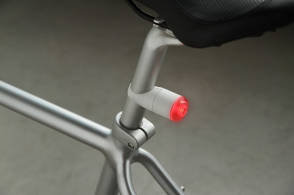 iflash-1-bicycle-led-lights-kibisi-design-3-580x386